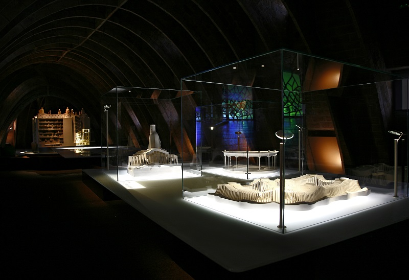visit pedrera premium attic mock-up