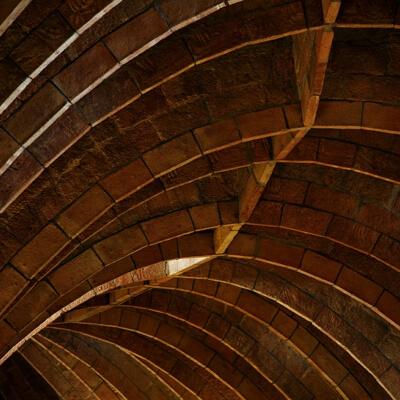 arquitectura pedrera arcs catenaris golfes
