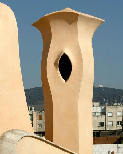30-arquitectura-pedrera-terrat-sortida-fum